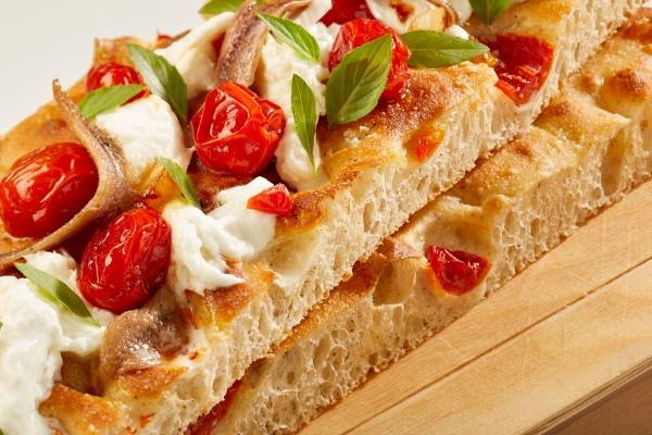 Pizza in teglia ad alta idratazione con germe vivo di grano