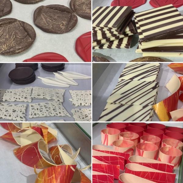 La precristallizzazione del cioccolato e varie tecniche di decorazioni in cioccolato